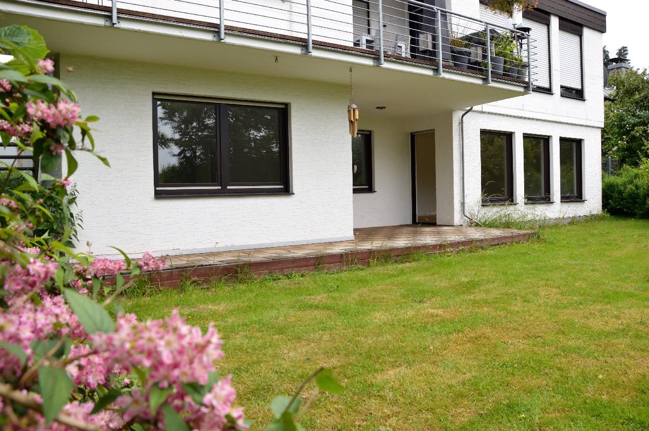 VERMIETET ~ Großzügige Terrassenwohnung mit schönem Garten in Lohmar-Heppenberg